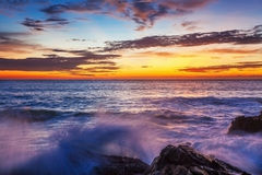 Puesta del sol tropical Fotos de archivo libres de regalías