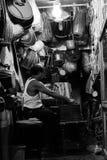 Puesta del sol urbana y el fotógrafo Fotos de archivo libres de regalías