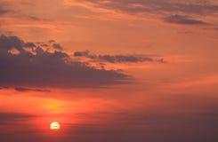 Puesta del sol velada Fotografía de archivo libre de regalías