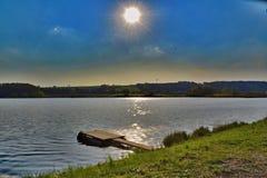 Puesta del sol del verano sobre la charca grande de Vrestov fotos de archivo libres de regalías