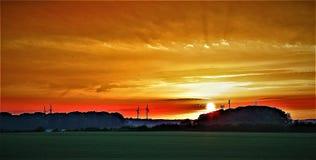 Puesta del sol del verano tardío en Sprotbrough, después de un día abrasador imagenes de archivo