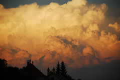 Puesta del sol volcánica Imágenes de archivo libres de regalías