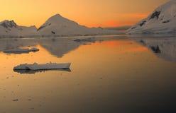 Puesta del sol y alpenglow Foto de archivo libre de regalías