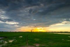 Puesta del sol y cielo de la nube Imagen de archivo