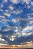 Puesta del sol y cloudscape imágenes de archivo libres de regalías