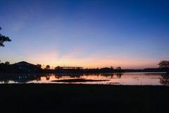 Puesta del sol y río Foto de archivo libre de regalías