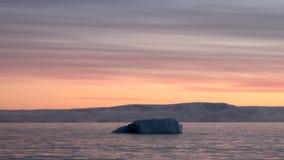 Puesta del sol y salida del sol en la Antártida - península antártica - Palmer Archipelago metrajes
