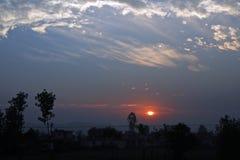 Puestas del sol la India del valle de Doon Foto de archivo libre de regalías
