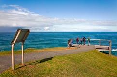 Puesto de observación cercado del océano para los turistas en el puerto Macquarie Imagen de archivo