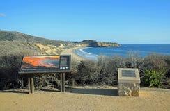 Puesto de observación de la visión de Crystal Cove State Park, California meridional Foto de archivo libre de regalías