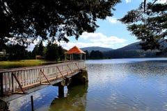 Puesto de observación en el lago Fotos de archivo libres de regalías