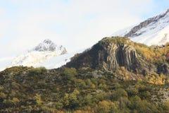 Pueyo de Jaca, berg i den Tena dalen, Pyrenees Arkivbild