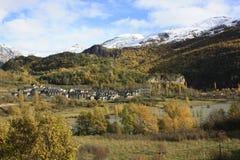 Pueyo de Jaca, berg i den Tena dalen, Pyrenees Royaltyfri Bild