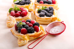 Puff pastry cakes with cream filling Royalty Free Stock Images