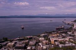 Puget Sound avec les montagnes olympiques Images libres de droits