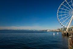 Puget Sound y Ferris Wheel Fotos de archivo
