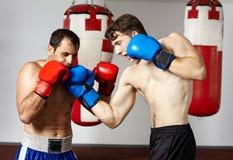 Pugilato d'allenamento di Kickbox Fotografia Stock