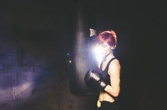 Pugile della giovane donna Fotografia Stock Libera da Diritti