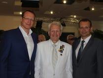 Pugile leggendario Boris Lagutin vicino ai figli durante l'anniversario Immagine Stock Libera da Diritti