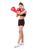 Pugilista - luvas vermelhas de encaixotamento vestindo do encaixotamento completo da mulher da aptidão do comprimento Fotografia de Stock