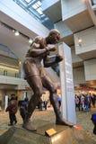 Pugilista profissional Joe Louis Sculpture fotos de stock