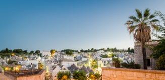 Puglia, Alberobello przy zmierzchem Fotografia Stock
