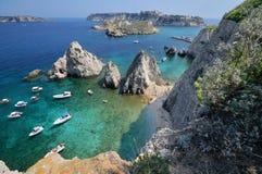 Puglia, Italia, August2018, islas de Tremiti en un día soleado foto de archivo