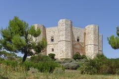Puglia, Italia: Castel del Monte storico e famoso immagini stock