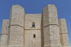 Puglia, Italia: Castel del Monte storico e famoso fotografia stock