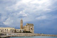 Puglia Trani, domkyrka arkivfoto