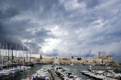 Puglia, Trani, Kathedraal en Haven stock fotografie