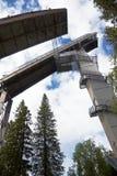 Puijo Ski Jumps en été Kuopio, région de Savonia du nord, Finlande Photo stock