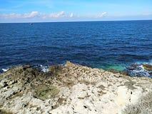 Puin antigo do citi dos cloubs do céu do mar do sol do verão de Criema chersonese foto de stock