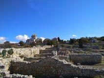 Puin antigo do citi dos cloubs do céu do mar do sol do verão de Criema chersonese fotografia de stock