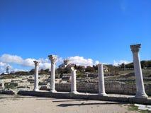 Puin antigo do citi dos cloubs do céu do mar do sol do verão de Criema chersonese fotos de stock royalty free