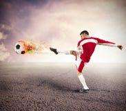 Puissance de joueur de football photographie stock