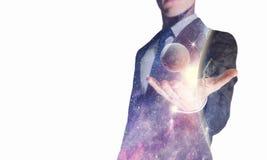 Puissance de l'espace dans des mains image libre de droits