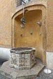 Puits d'eau Rome images libres de droits
