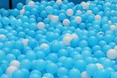 Puits de boule pour des enfants Photos libres de droits