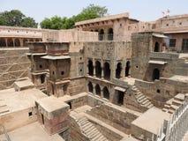 Puits de Chand Baori, une des étapes les plus profondes en Inde photos stock