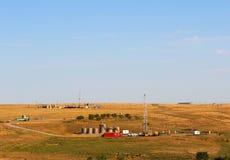 Puits de pétrole et de gaz naturel Image stock