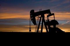 Puits de pétrole Photographie stock libre de droits