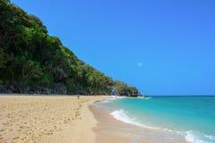 Puka Beach, parte nortenha de ilha de Boracay fotos de stock royalty free