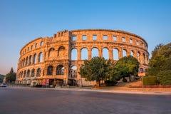pula назначения Хорватии амфитеатра турист стародедовских известных римский Стоковое Изображение RF