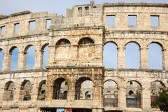 Pula, Croácia - anfiteatro romano - detalhe imagens de stock