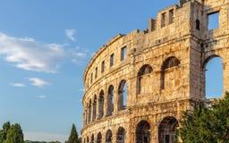 Pula sten roman croatia argentina sky royaltyfria bilder