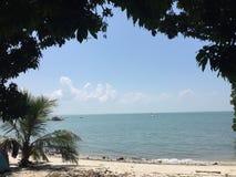 Pulau Besar strand Arkivbild