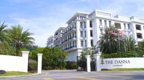 PULAU LANGKAWI, MALASIA - 4 de abril de 2015: Puerta delantera del hotel de lujo de DANNA en la isla de Langkawi con hermoso Fotografía de archivo libre de regalías