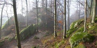 Pulcin-Schlossfelsen Stockfotografie