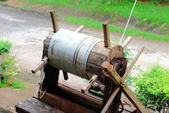 Puleggia di legno d'annata Fotografia Stock